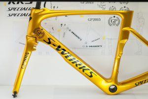 S-WORKS自転車カーボンフレーム塗装